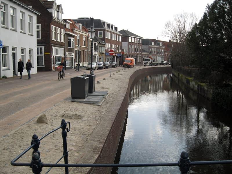 van Hees aannemer waterbouw: kademuur project