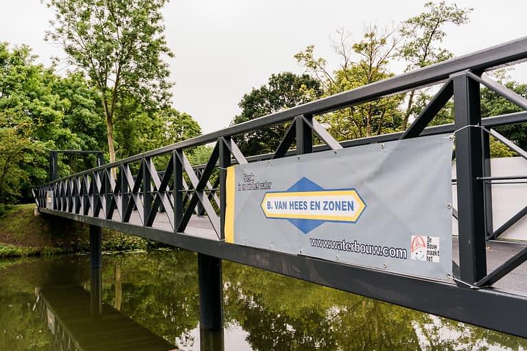 Van Hees aannemer waterbouw: voetgangersbrug Fort Jutphaas